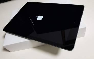 iPad 9.7インチ Wi-Fiモデル 128GB 2018年春モデルMR7J2J/A スペースグレイ