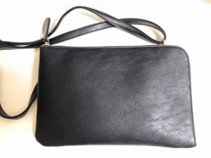 iPad9.7インチが入るショルダーバッグになるクラッチバッグ