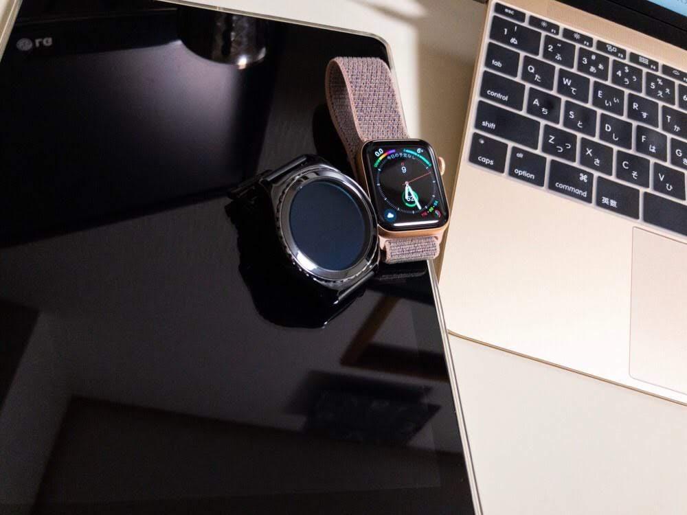 Apple Watch series4 40mmとGearS2、MacBook12、iPad9.7