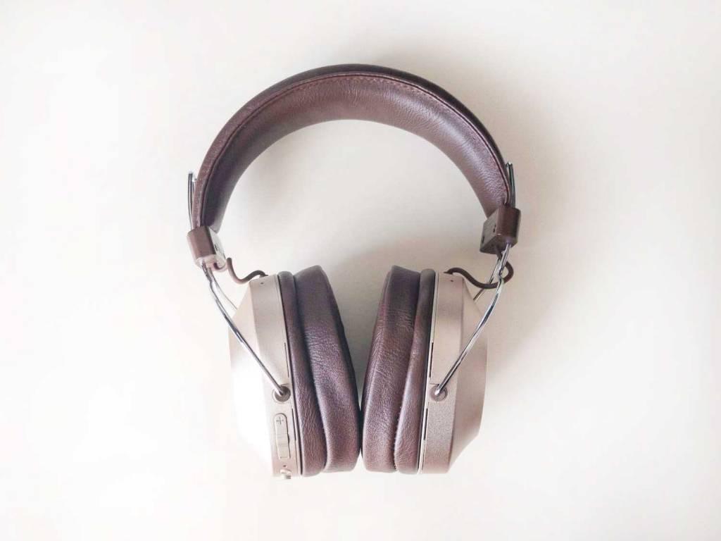 PioneerのノイズキャンセリングBluetoothヘッドホン「SE-MS9BN」