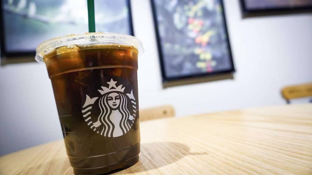 スターバックスコーヒーのおかわりシステム「ワンモアコーヒー」を100円で利用する方法