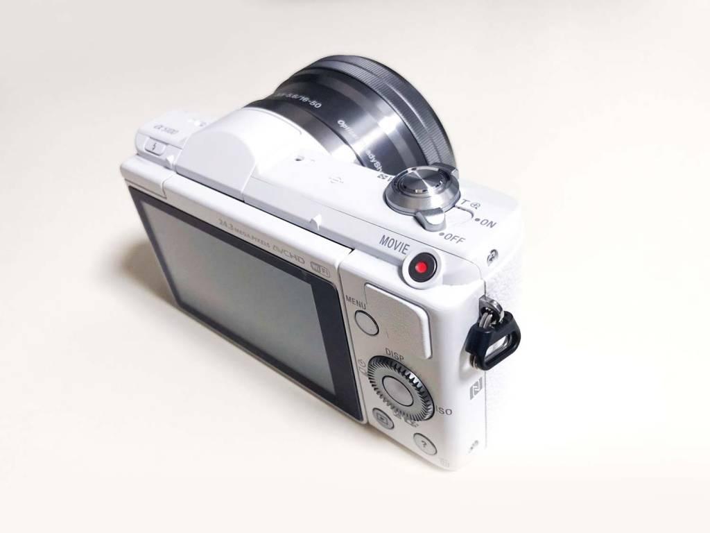 Sonyのミラーレス一眼カメラα5100裏面