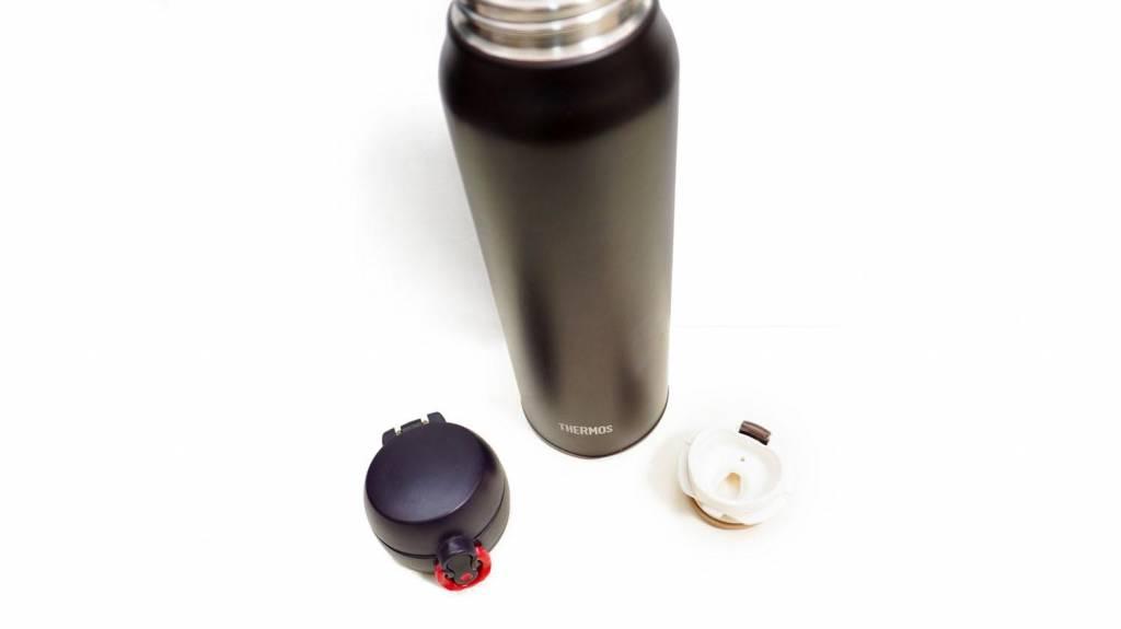 サーモスの水筒をパーツに分けた写真