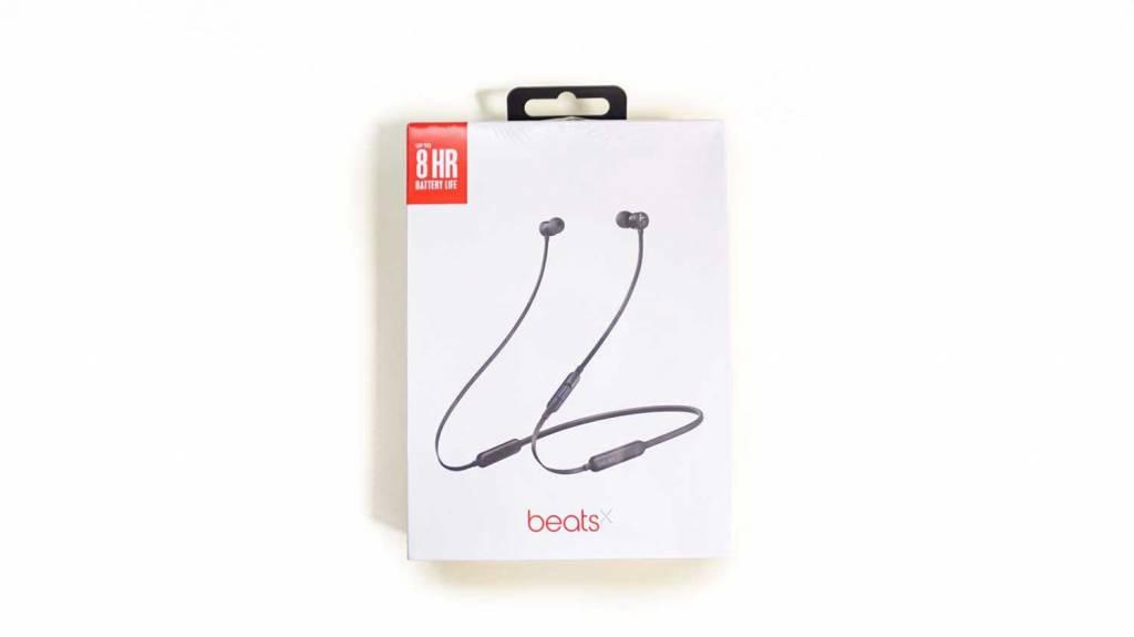 BeatsXのパッケージ表面