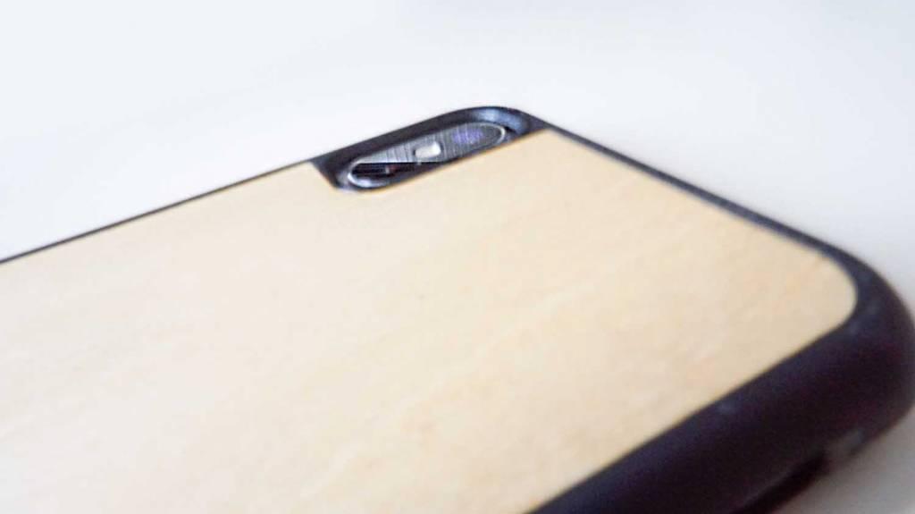 WOODWEiPhoneケースをiPhoneXに装着、カメラ部分