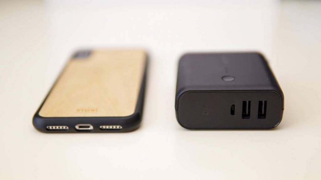 Anker PowerCore Fusion 5000とiPhoneX