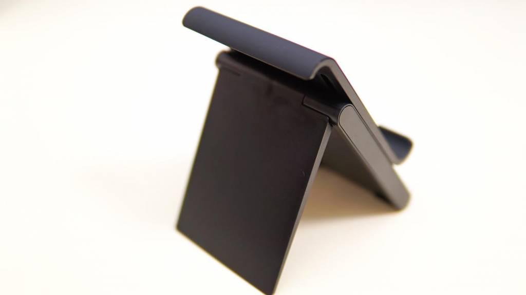 Lamicallタブレットスタンド本体斜め後ろから