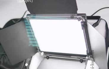 NeewerのLEDライト「NL-660」をルイログがレビュー