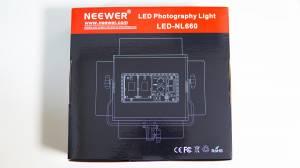 NeewerのLEDライト「NL-660」のパッケージ裏面