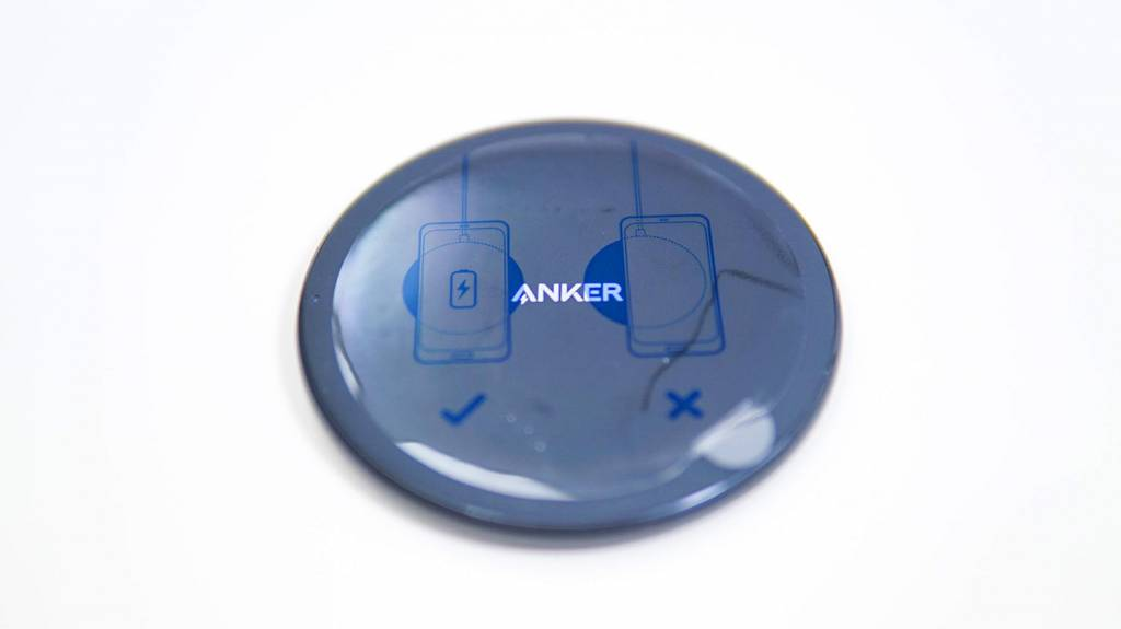 AnkerのQi充電器PowerWave10Pad(改善版)本体
