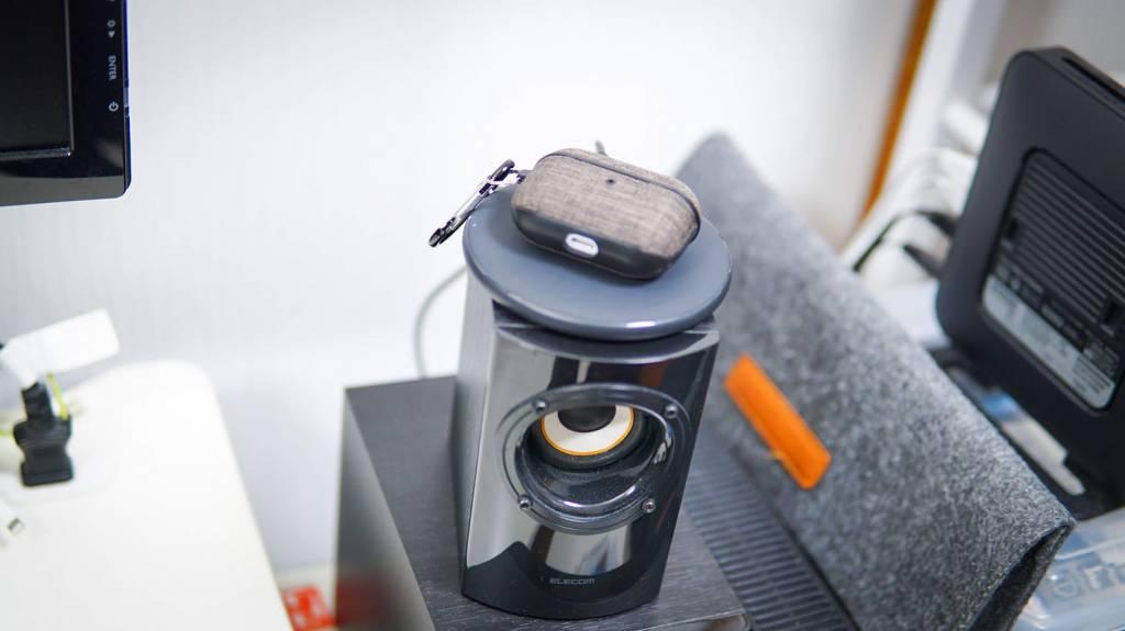 AnkerのQi充電器PowerWave10Pad(改善版)でAirPodsを充電