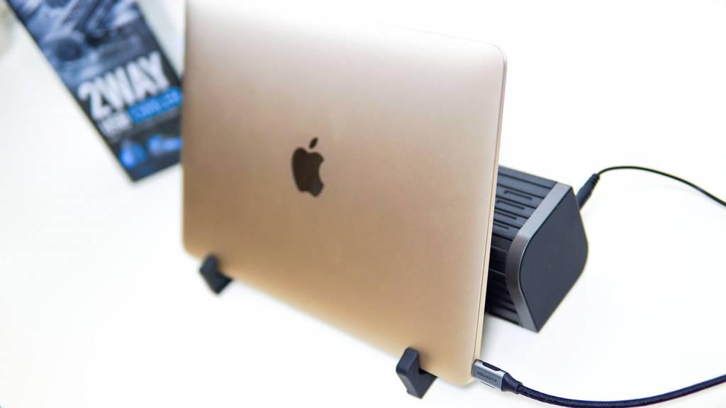 ELECOM(エレコム)USB扇風機「FAN-U177BK」でMacBookをクラムシェルモードで使う