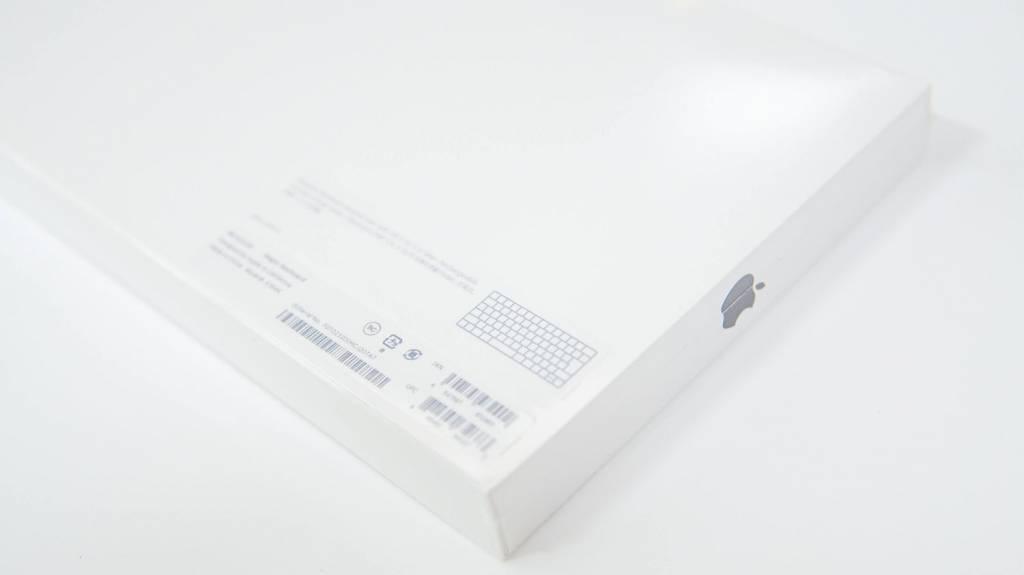 Apple Magic Keyboard [MLA22J/A]のパッケージ裏面