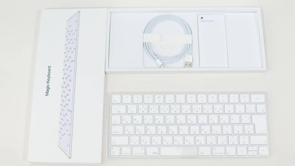 Apple Magic Keyboard [MLA22J/A]の内容物