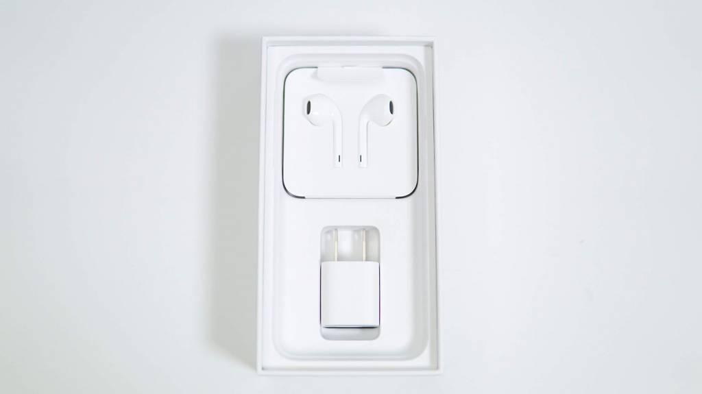 iPhoneSE(第2世代)の同梱物