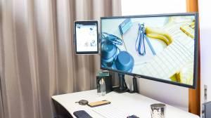 TAWARONフレキシブルタブレットアームでiPadをデスクに固定