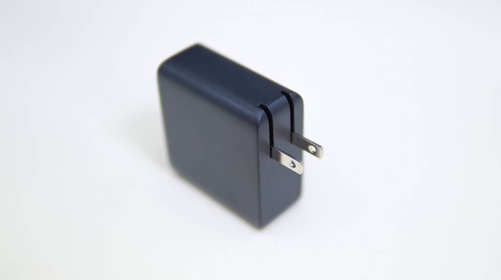 AUKEYの4ポートPD充電器PA-D52本体