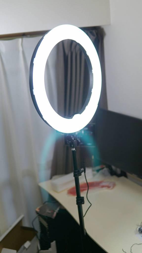 NeewerのLEDリングライト照明キット