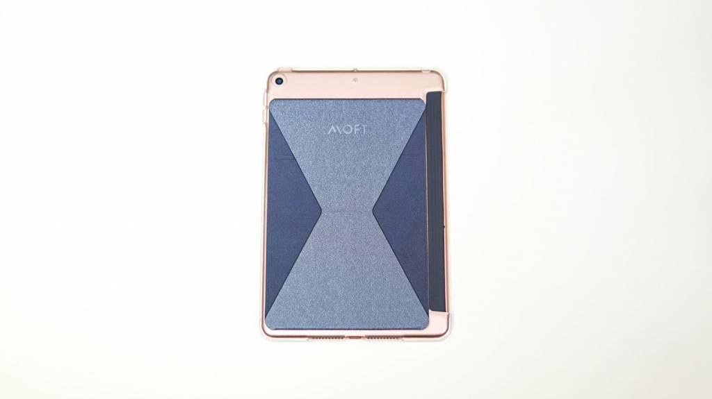 MOFT XタブレットをiPadmini5に装着した状態
