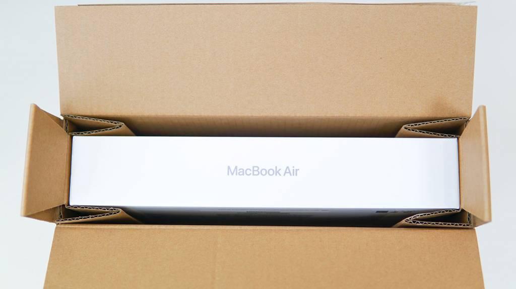 MacBookAirM1(2020)の梱包状態