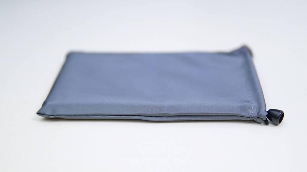 Ewinトラックパッド付き折り畳み式Bluetoothキーボード巾着袋付き