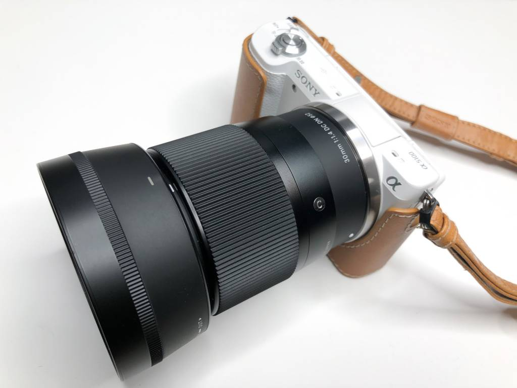 SIGMA 30mm F1.4 DC DNをα5100に装着