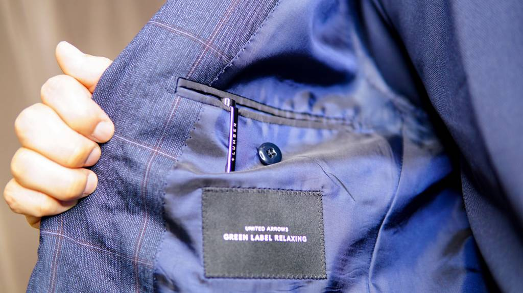 Hacoa+LUMBER:ラウンドボディボールペンをジャケットの内ポケットに入れる