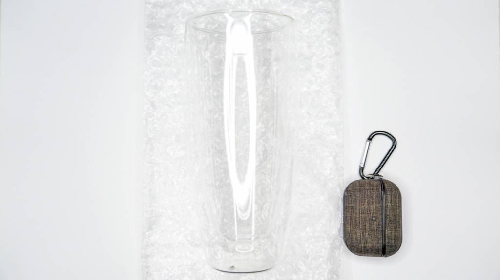 600mlダブルウォールグラスのサイズ感、AirPodsProと比較