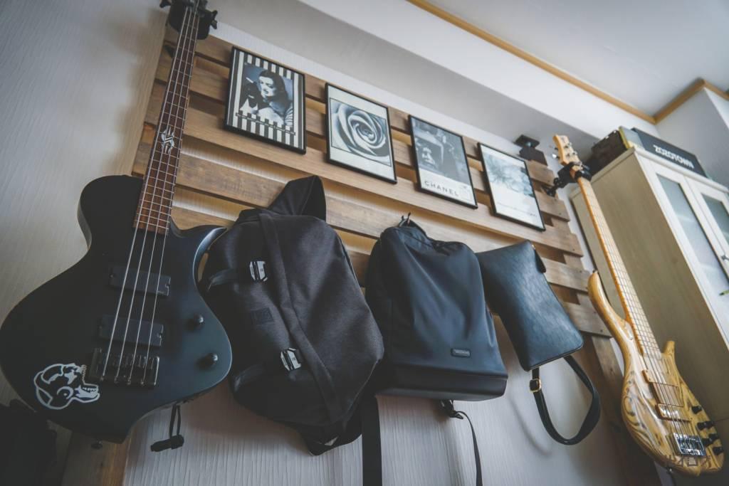 DIYしたギター(ベース)ハンガー