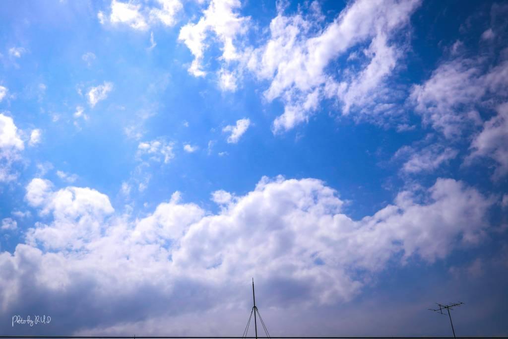 ルイログの撮影した空