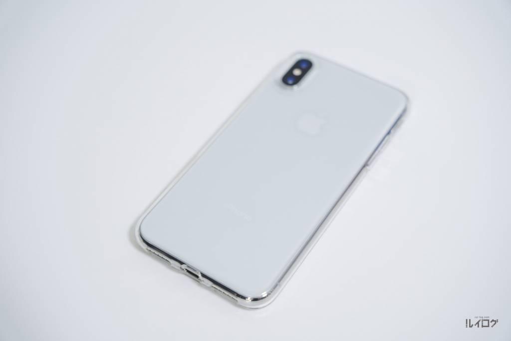 iPhoneXの薄型ケースをiPhoneXに装着