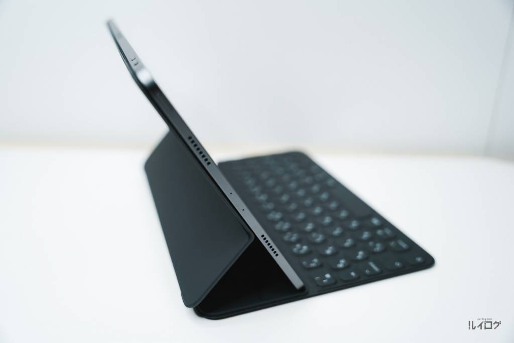 iPad Pro11(第3世代)にSmartKeyboardFolioを装着した状態