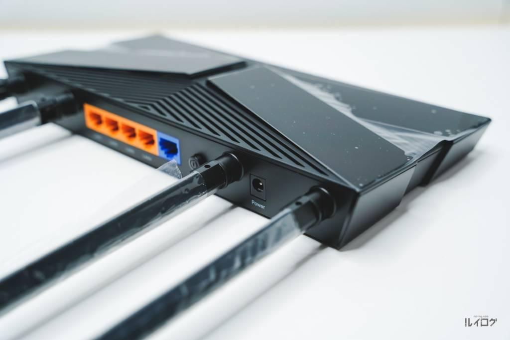 Wi-Fi6ルーターTP-Link Archer AX10本体上部