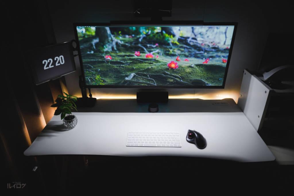 Xiaomiのモニターライトことスクリーンバーライトを設置したルイログPCデスク環境