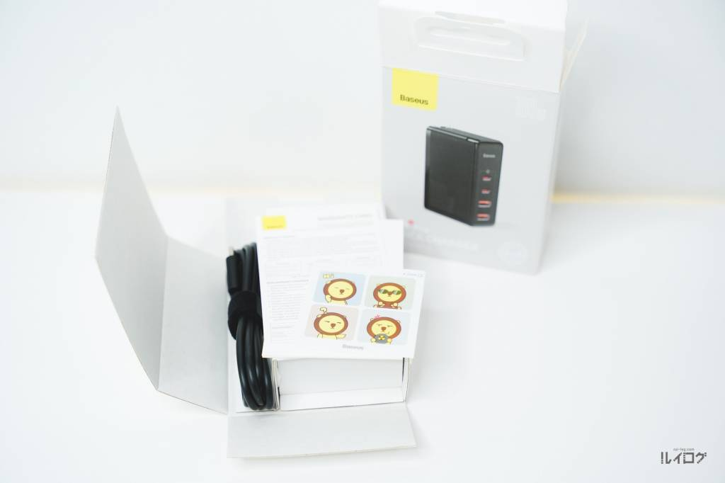 Baseus100W4ポート急速充電器CCGAN100USパッケージを開封