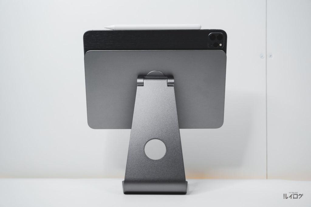 Magnetic iPad StandにiPadPro11を装着した後ろ面