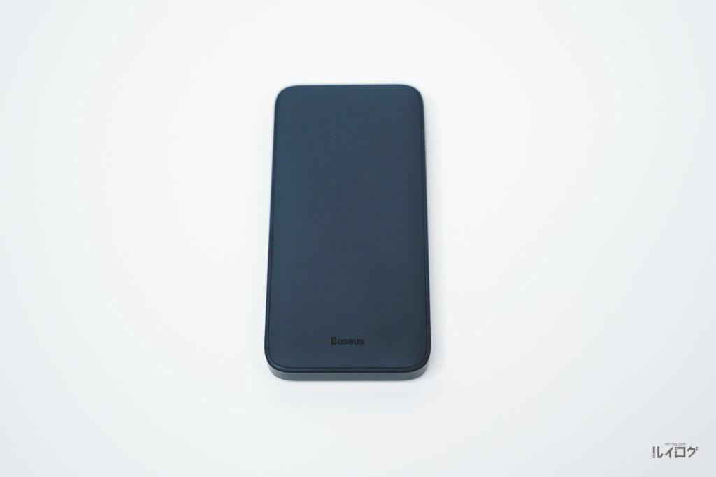 Baseusワイヤレス充電対応モバイルバッテリーの裏面