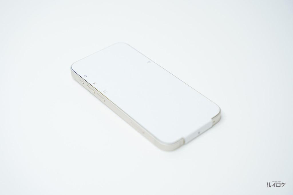 iPhone13mini本体保護シート装着状態